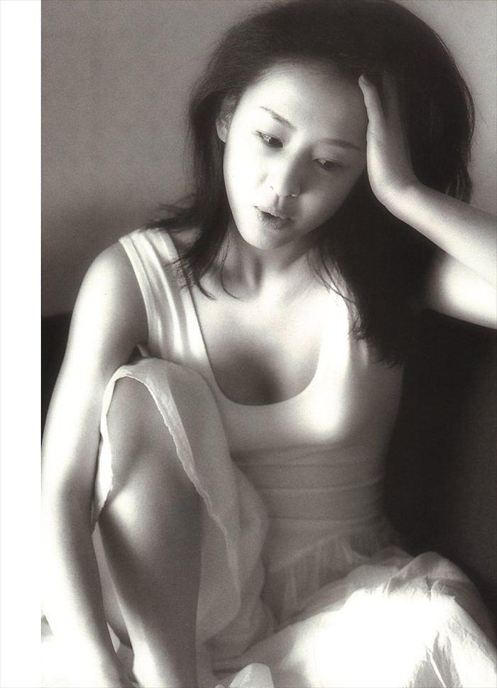 相田翔子 ヌード画像 041