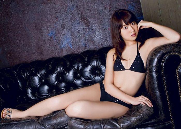 衛藤美彩 エロい水着画像 011