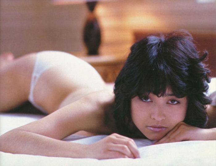 石川ひとみ ヌード画像 017