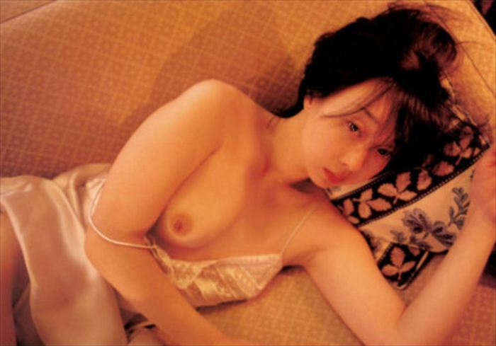 川上麻衣子 ヌード画像 046