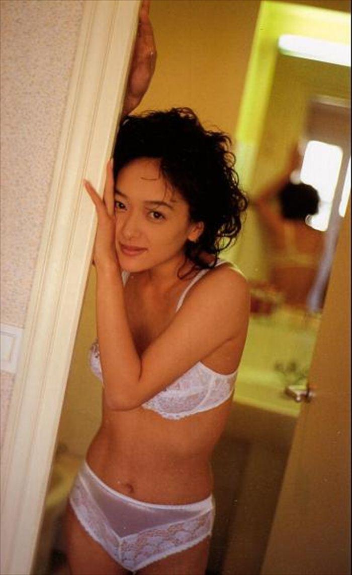 喜多嶋舞 濡れ場&ヌード画像 064