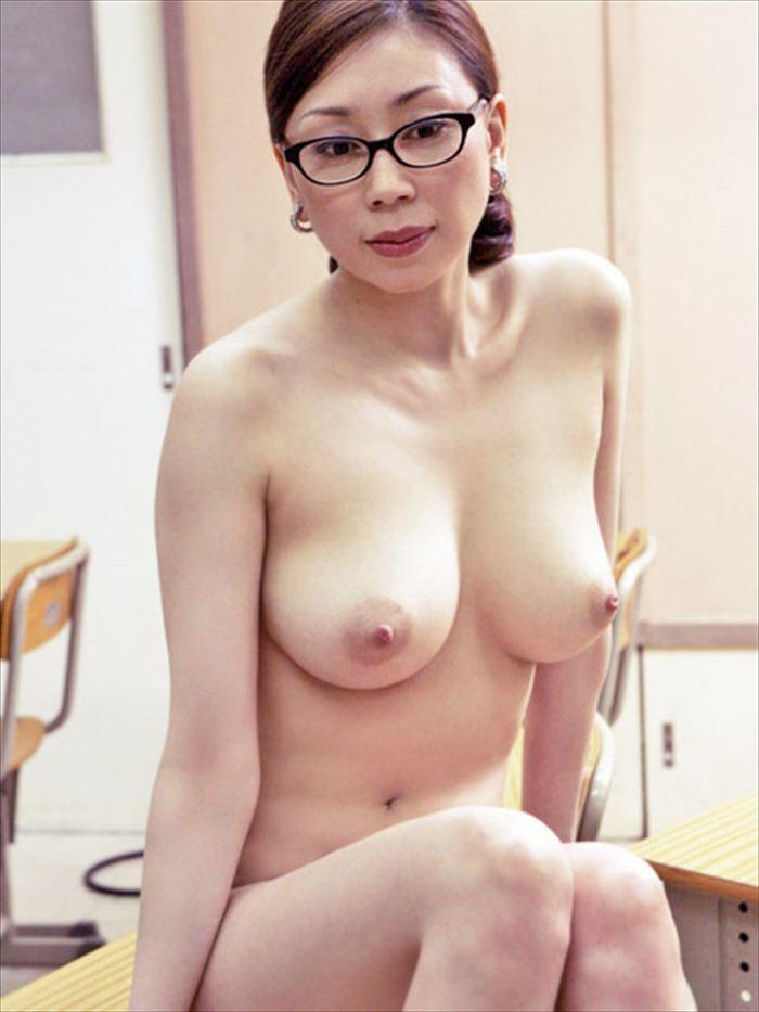 水谷ケイ ヌード 010