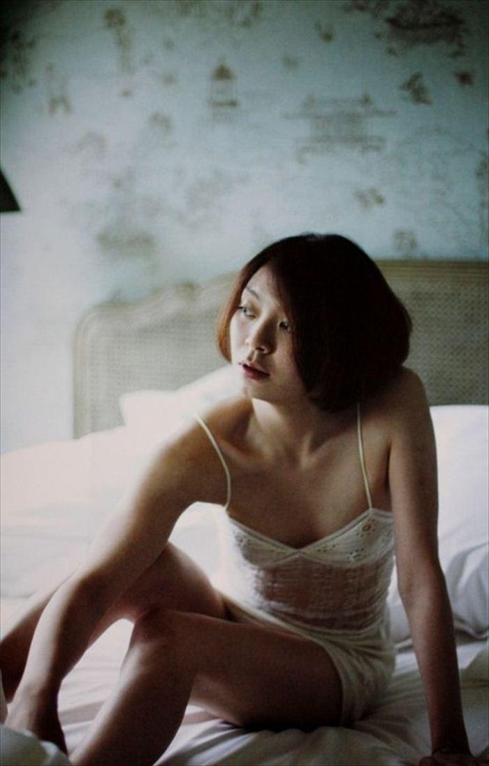 田畑智子 ヌード画像 003