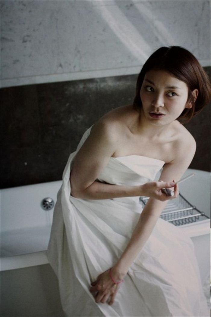 田畑智子 ヌード画像 007
