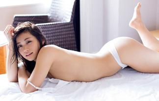 安枝瞳 最新セミヌードエロ画像94枚!美尻を極めたラスト写真集先行カット!