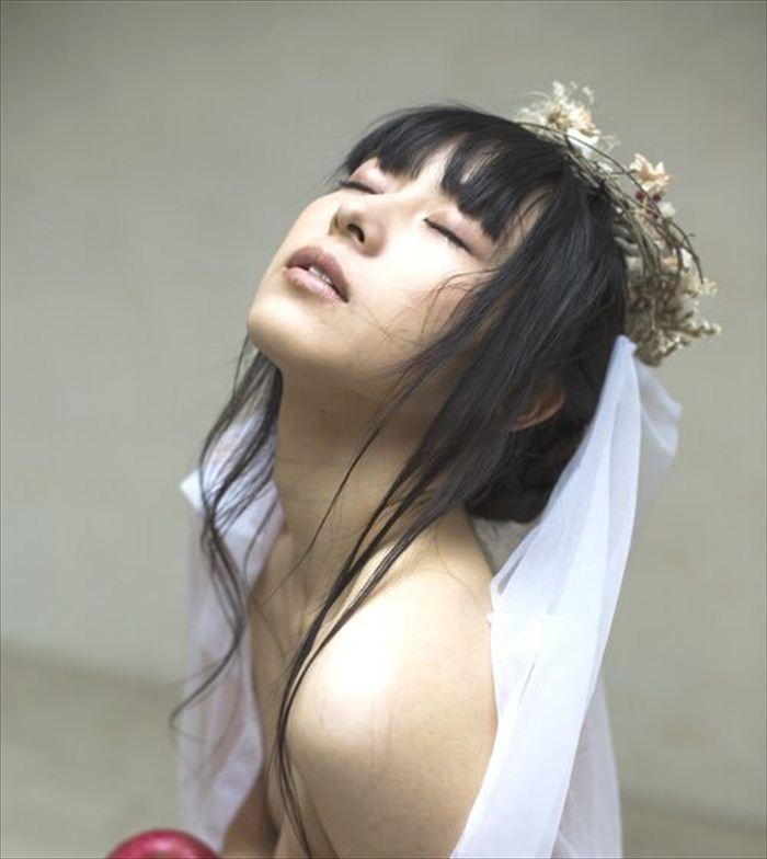 吉岡愛花 ヌード画像 007