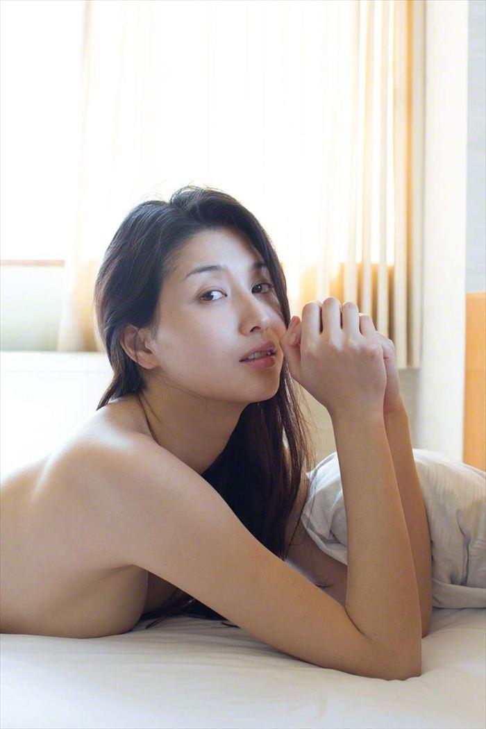 橋本マナミ 乳首画像 015