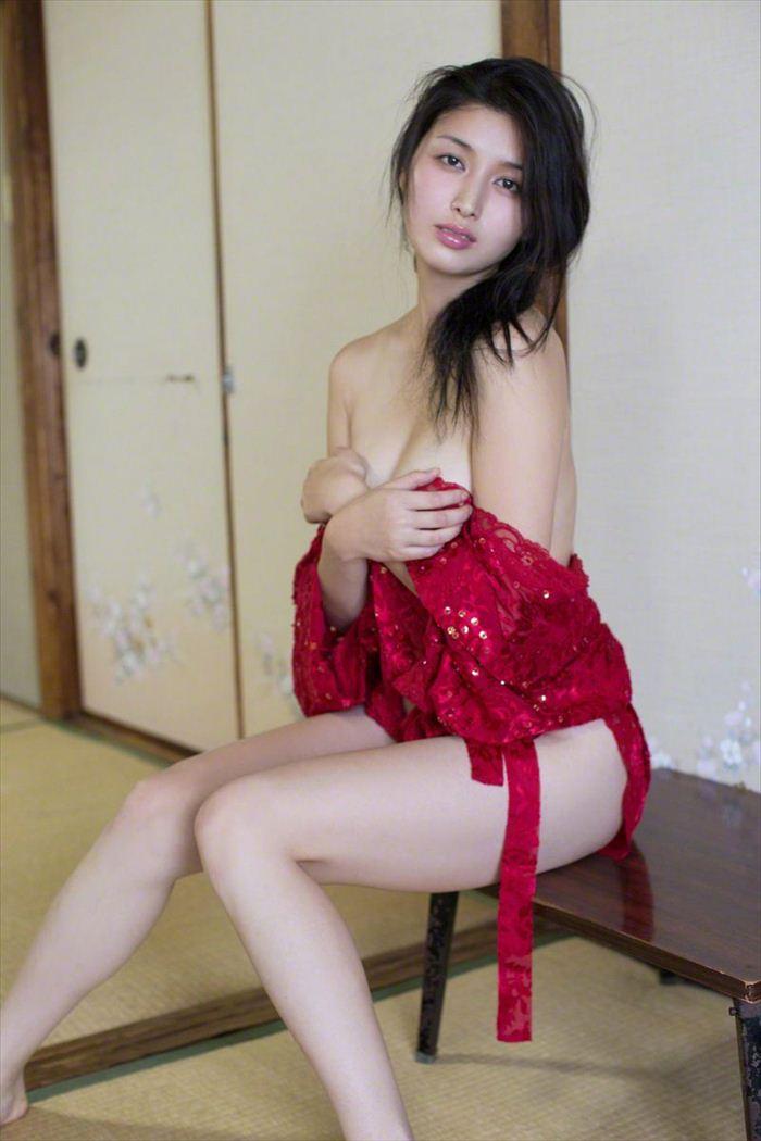 橋本マナミ 乳首画像 033