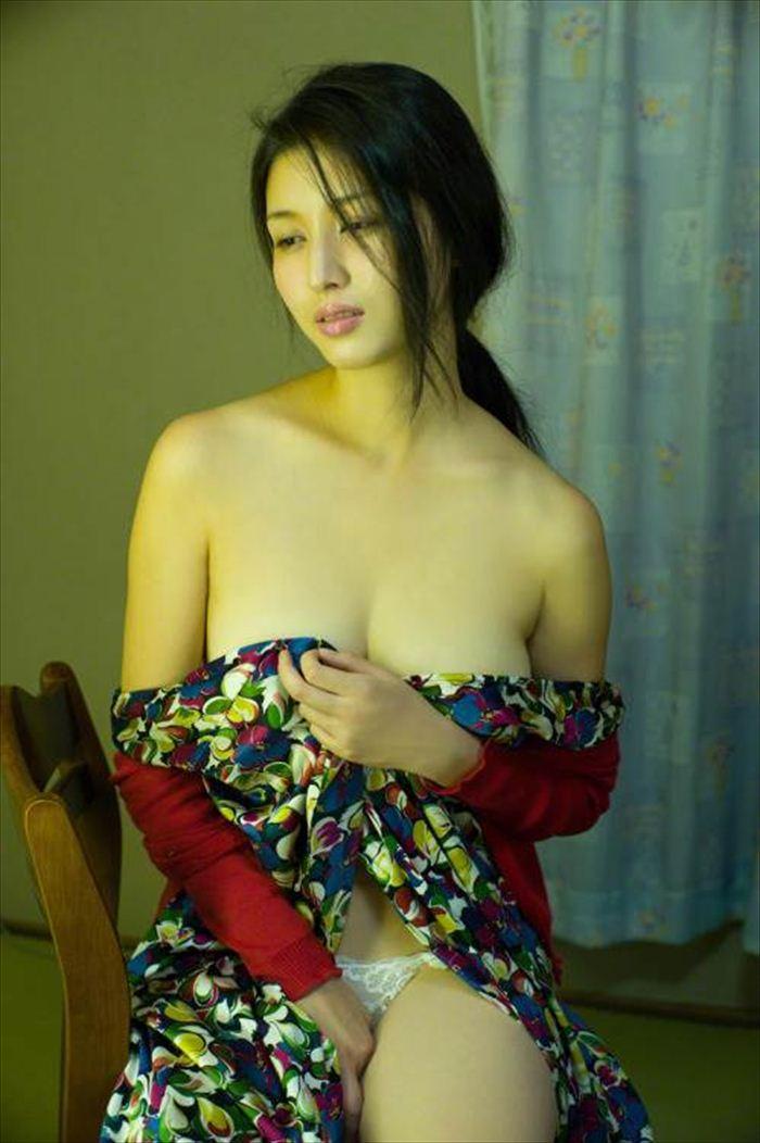 橋本マナミ 乳首画像 065