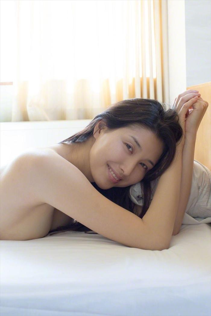 橋本マナミ 乳首画像 078