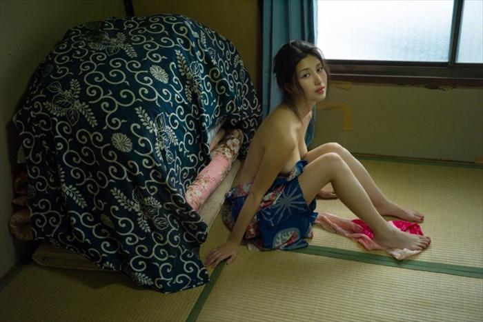 橋本マナミ 乳首画像 080