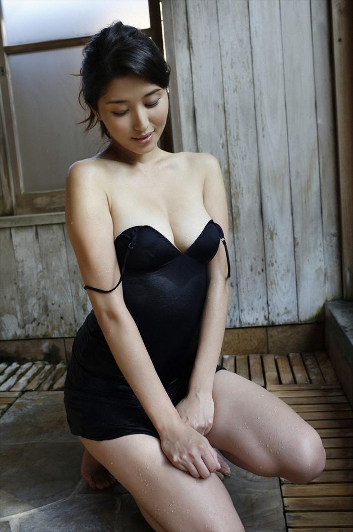 橋本マナミ 乳首画像 081