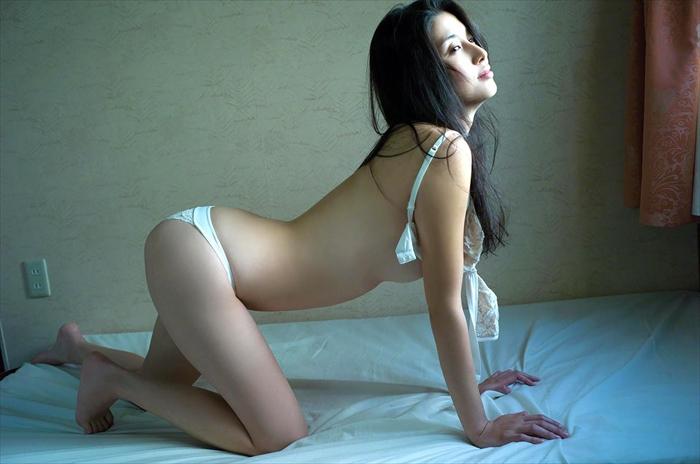 橋本マナミ 乳首画像 087