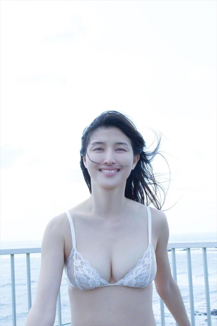 橋本マナミ 乳首画像 089