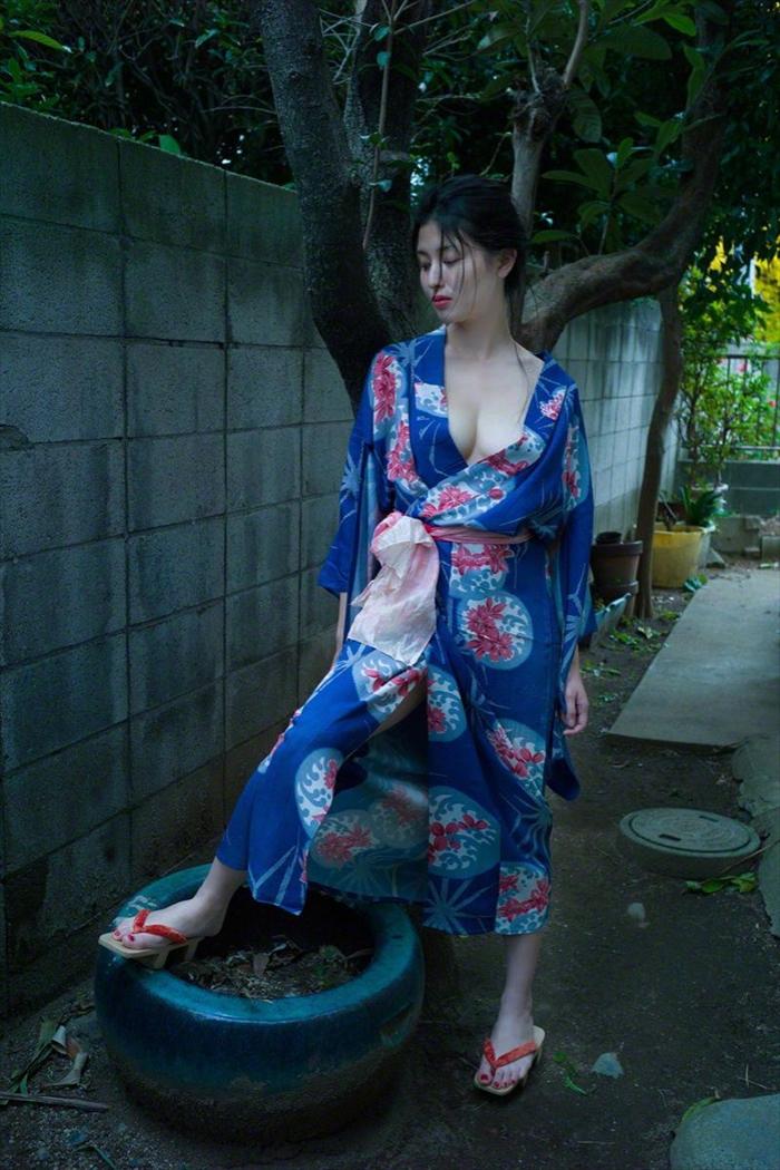 橋本マナミ 乳首画像 092