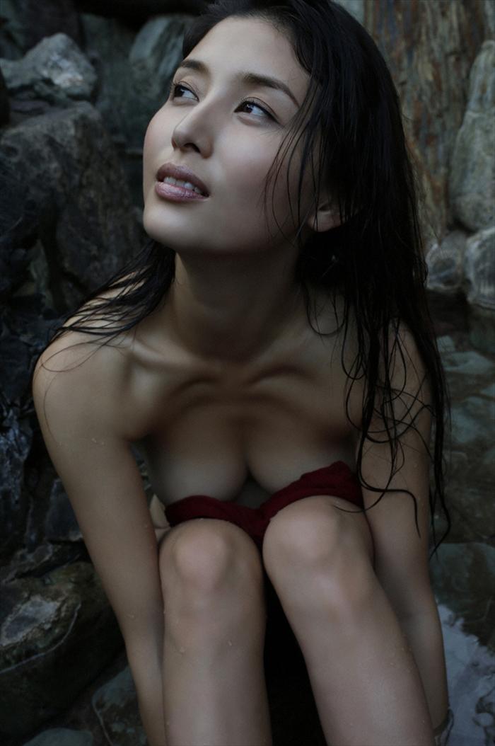 橋本マナミ 乳首画像 095