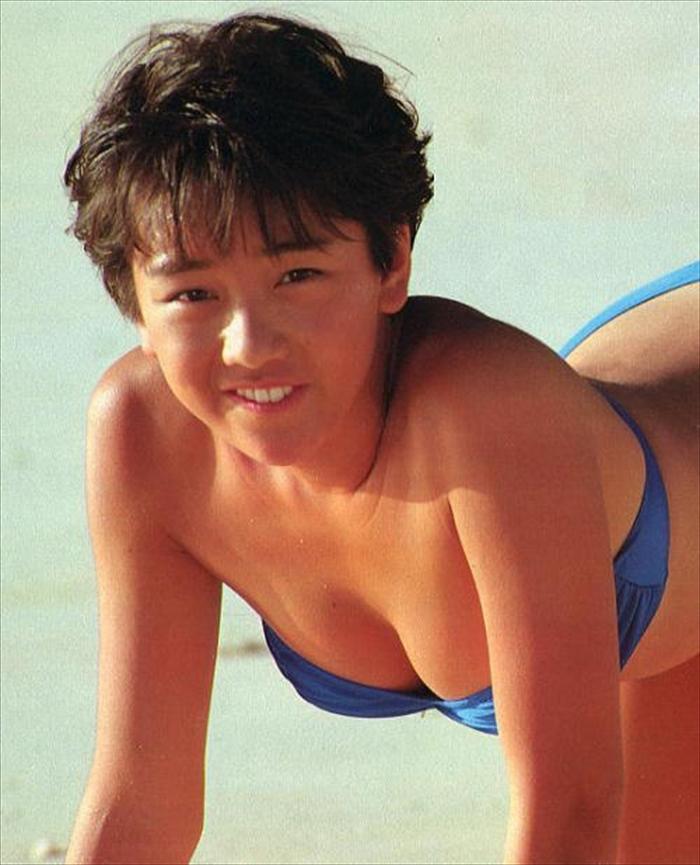西田ひかる 水着画像 100