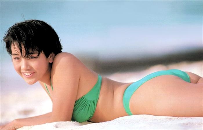 西田ひかる 水着画像 047