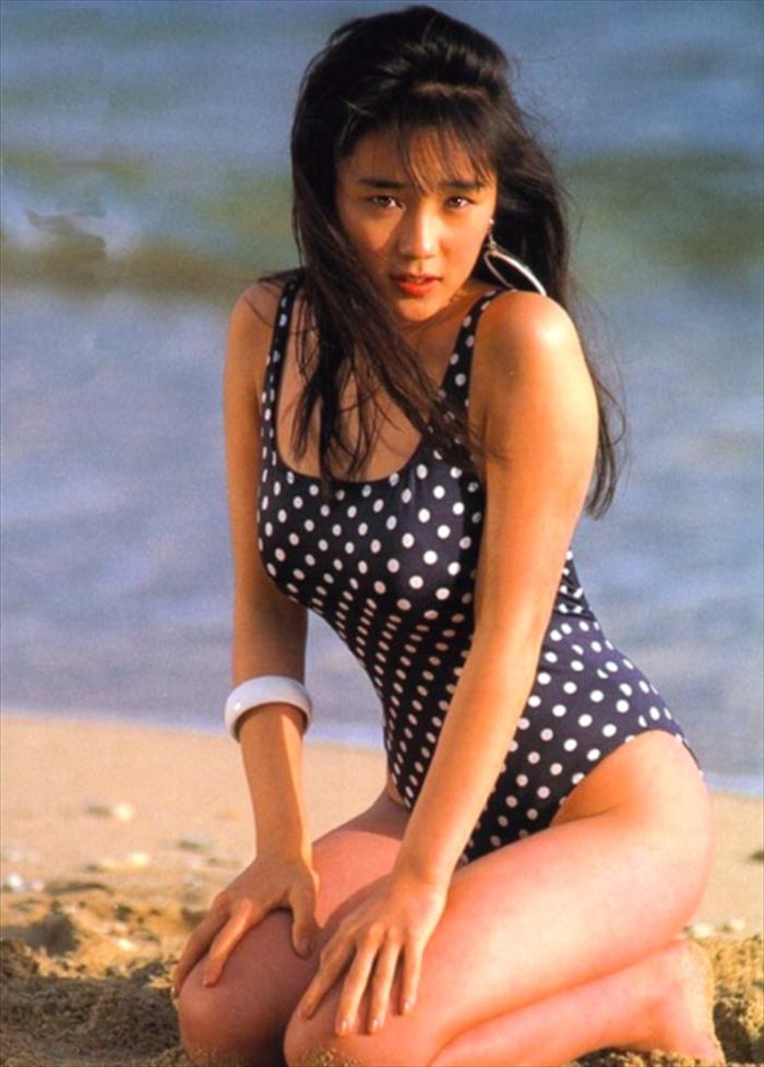 西田ひかる 水着画像 054