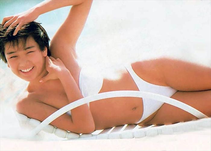 西田ひかる 水着画像 093