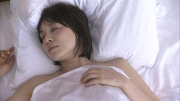 石田ゆりこ 濡れ場画像 012