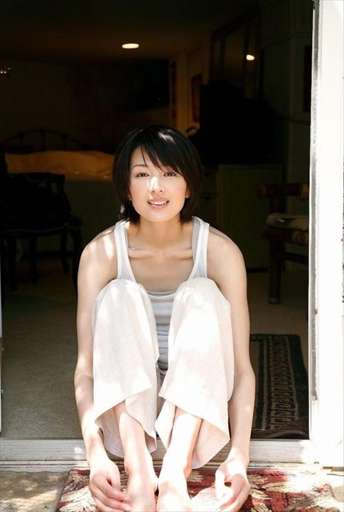 吉瀬美智子 エロ画像 044