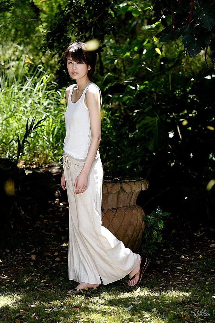 吉瀬美智子 エロ画像 065