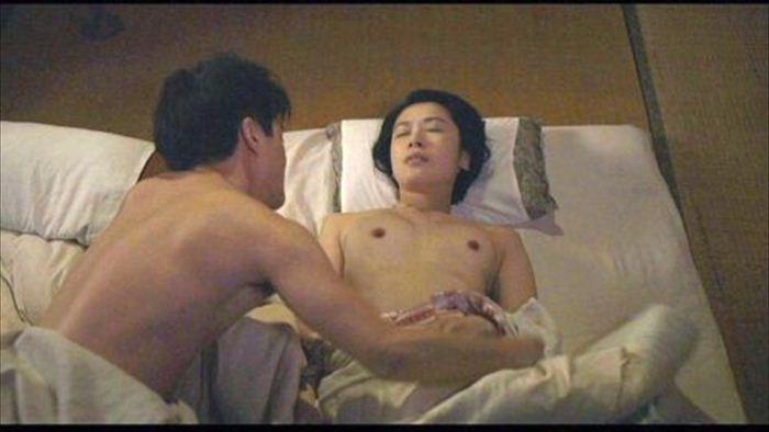村川絵梨 ヌード画像 007