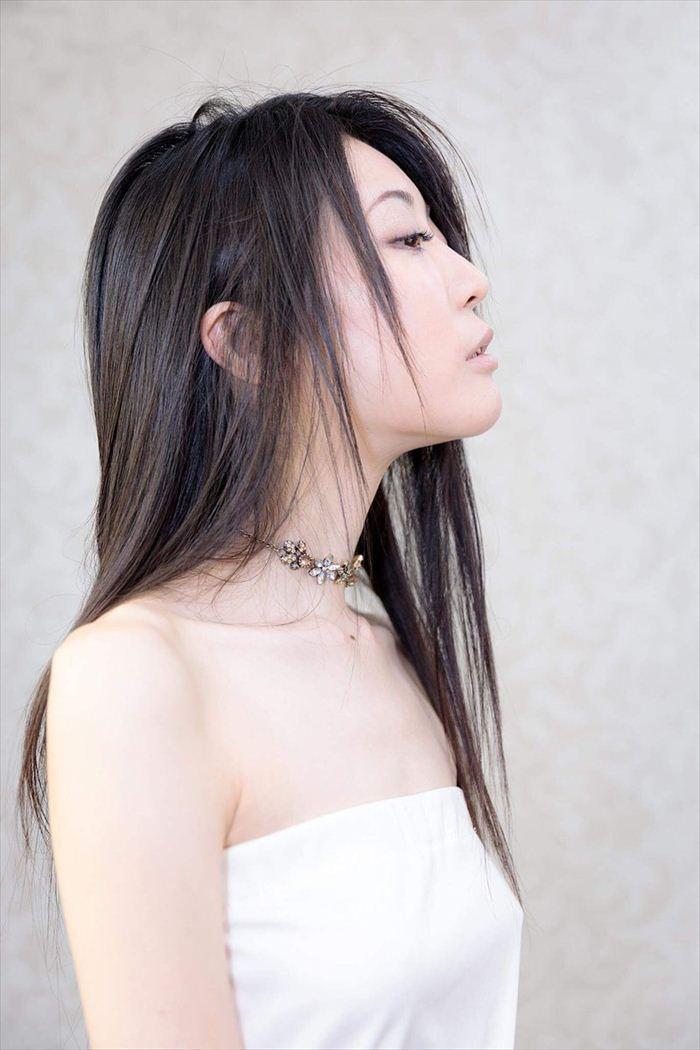 七菜乃 ヌード画像 052