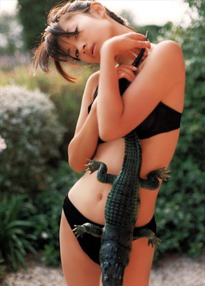 篠原涼子 エロ画像 013