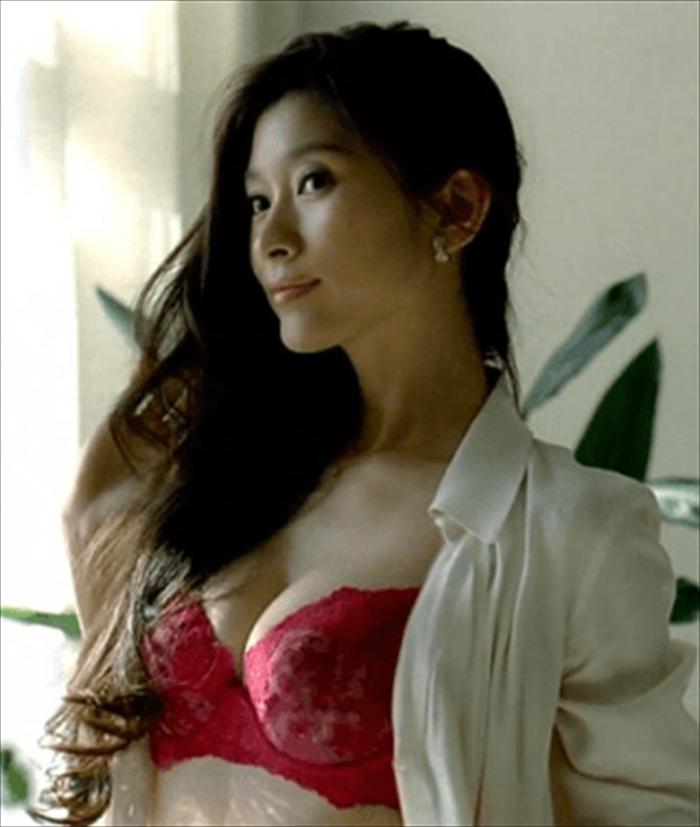 篠原涼子 エロ画像 019
