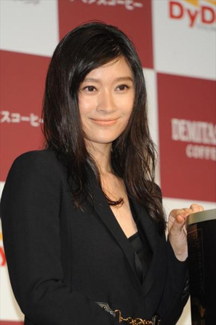 篠原涼子 エロ画像 053