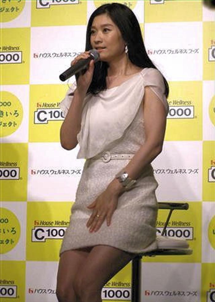 篠原涼子 エロ画像 057
