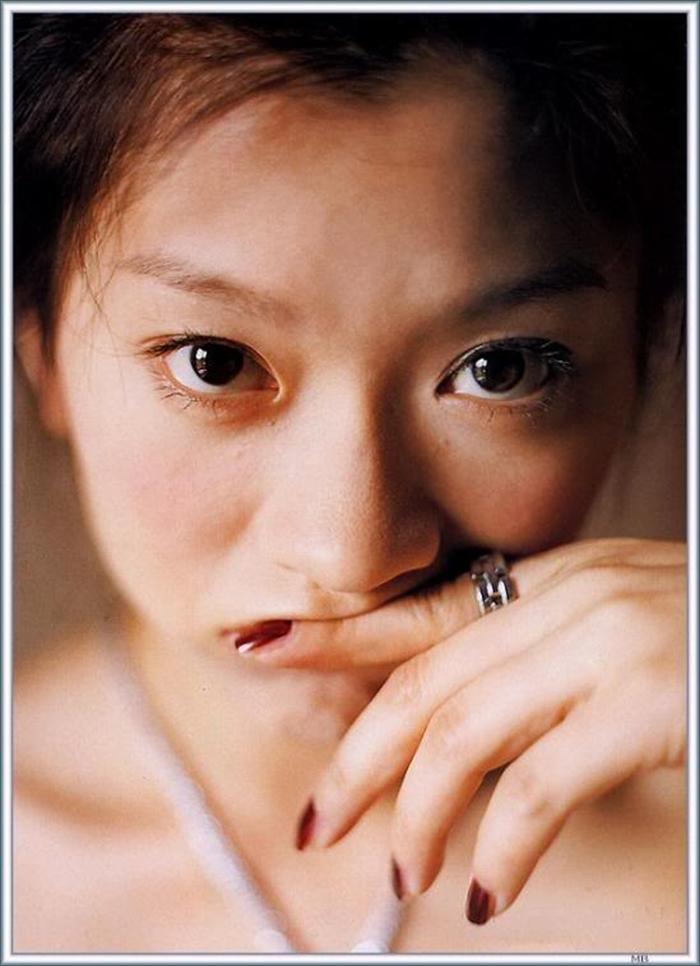 篠原涼子 エロ画像 074