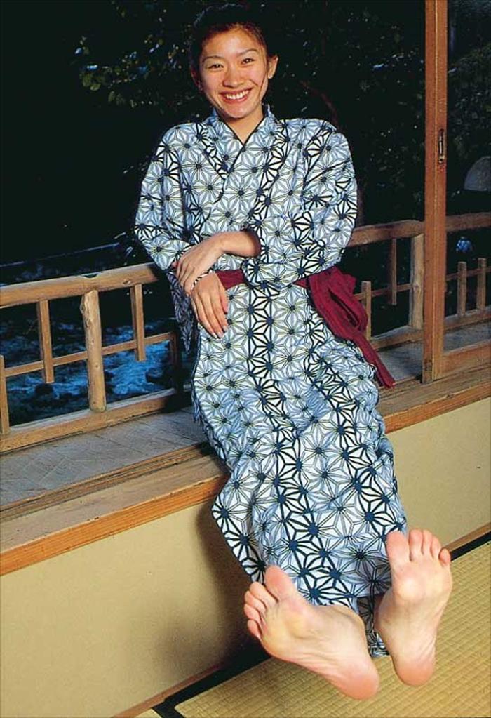 篠原涼子 エロ画像 081