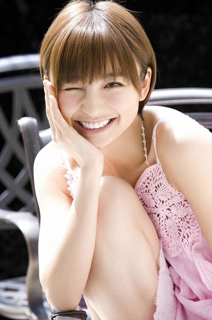 篠田麻里子 エロ画像 033