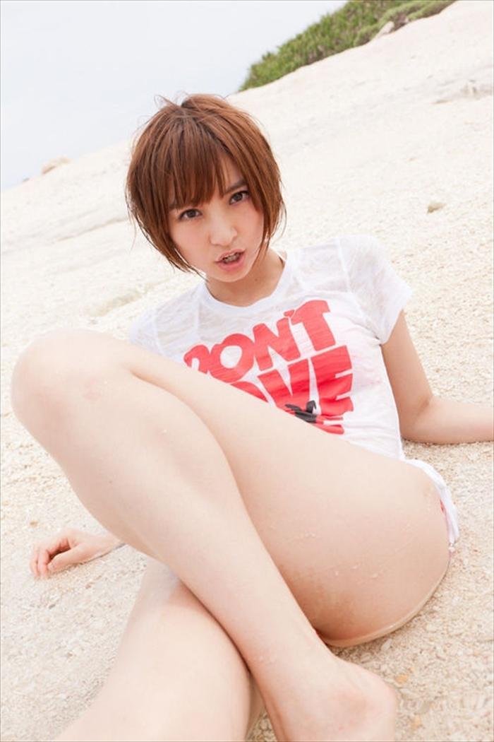 篠田麻里子 エロ画像 065
