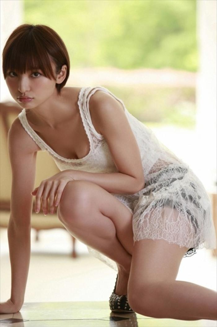 篠田麻里子 エロ画像 069