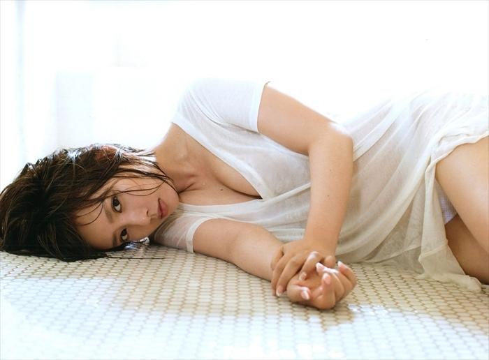 山田菜々 エロ画像 039