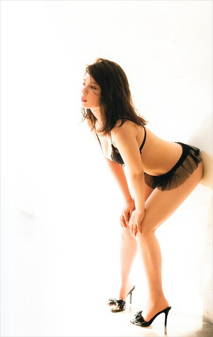 山田菜々 エロ画像 045