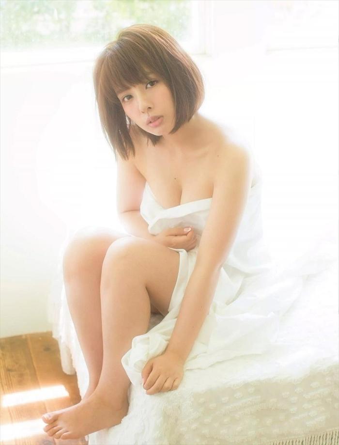 山田菜々 エロ画像 053