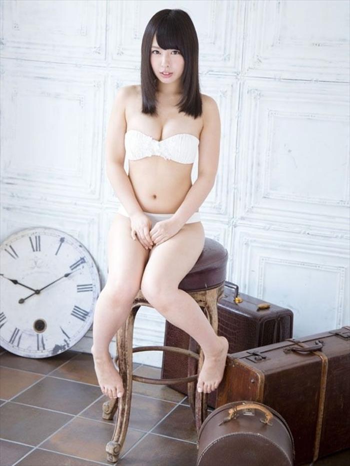 山田菜々 エロ画像 062