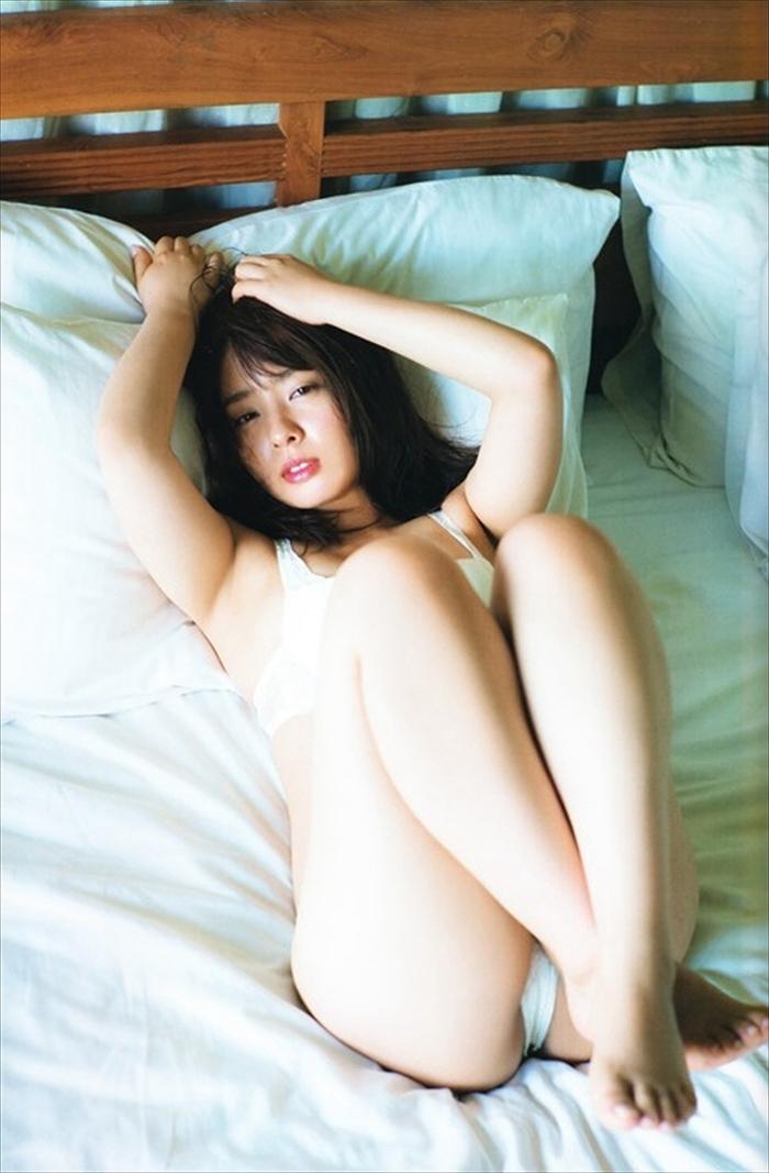山田菜々 エロ画像 089