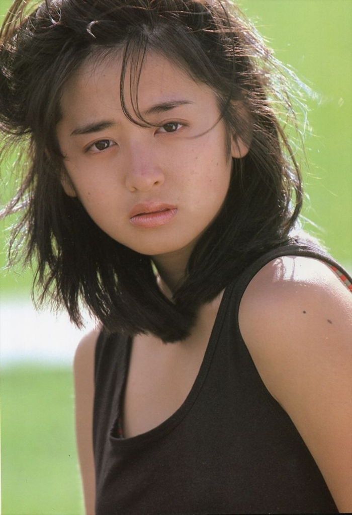 斉藤由貴 おっぱい画像 040