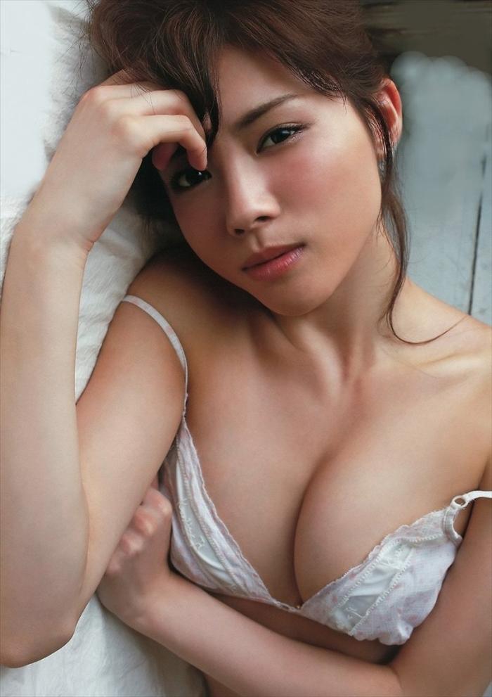 松川佑依子 エロ画像 031