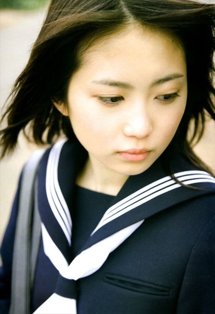 志田未来 エロ画像 076