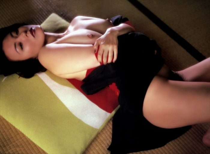 杉田かおる ヌード画像 009