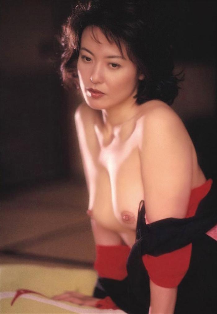 杉田かおる ヌード画像 041