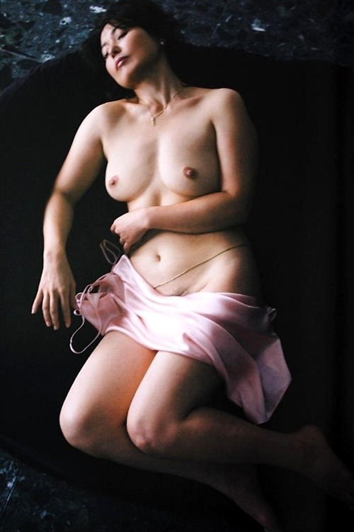 杉田かおる ヌード画像 079