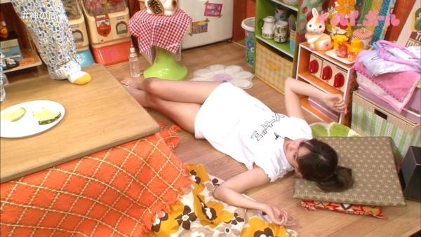 小嶋陽菜 セクハラエロ画像038